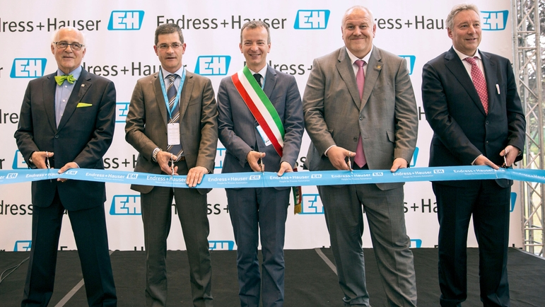 Inauguration des nouvelles installations d'Endress+Hauser Italie.