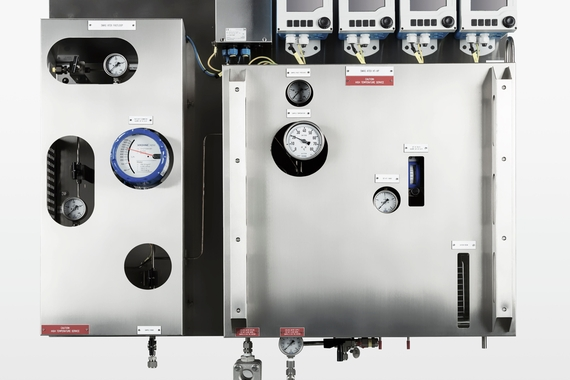 Pannello SWAS (Steam Water Analysis System) di Endress+Hauser ATEX Zona 2