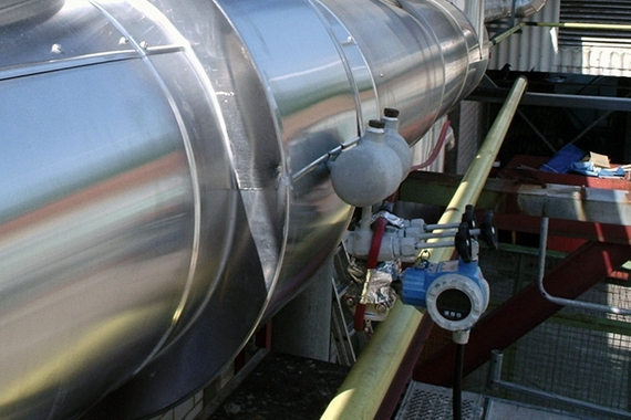 Flow measurement in a steam pipe